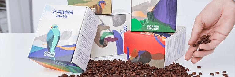 Inspírate en estas 5 cajas postales para darle un giro a la paquetería de tu negocio
